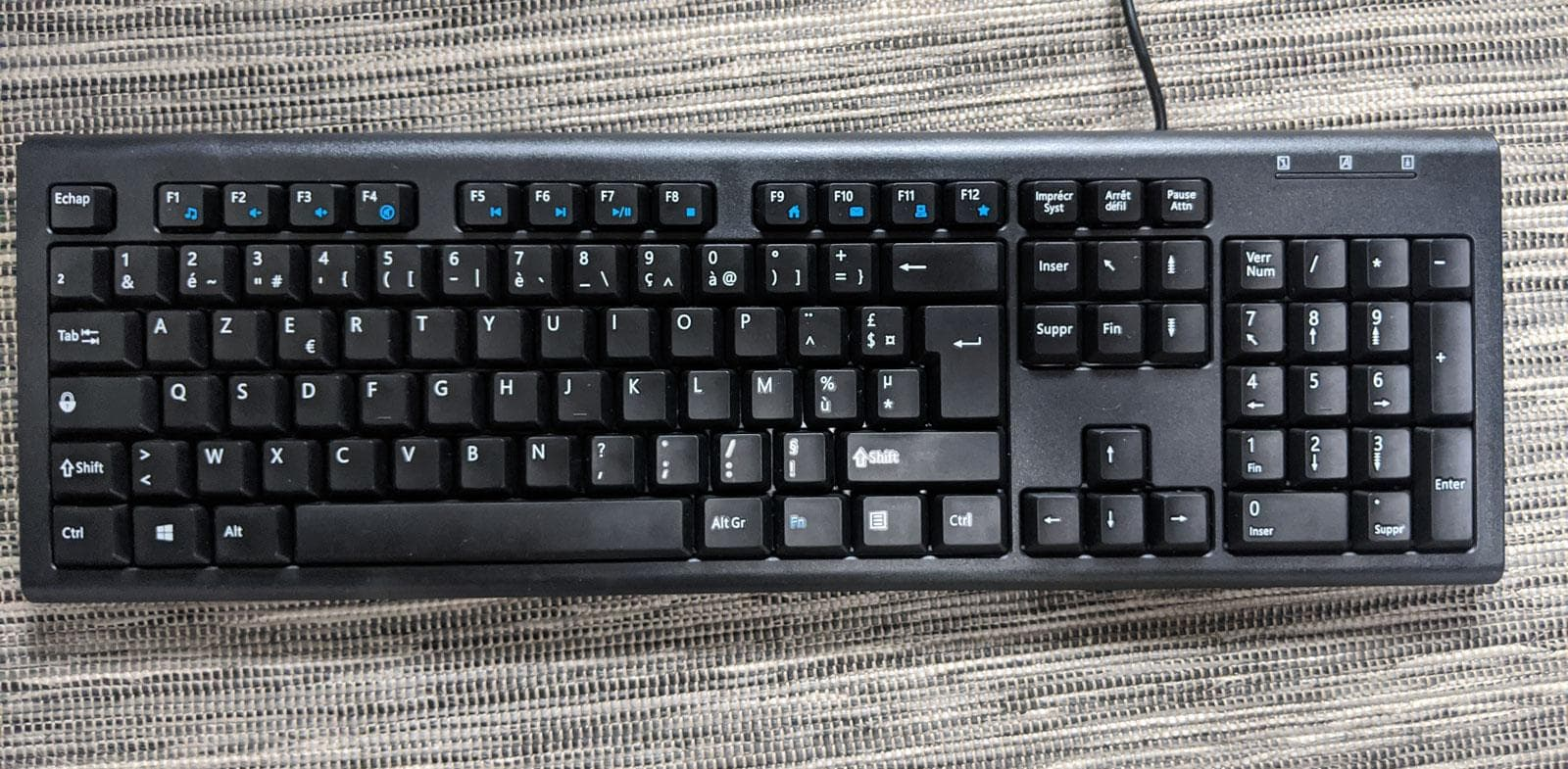 Photo of my AZERTY keyboard
